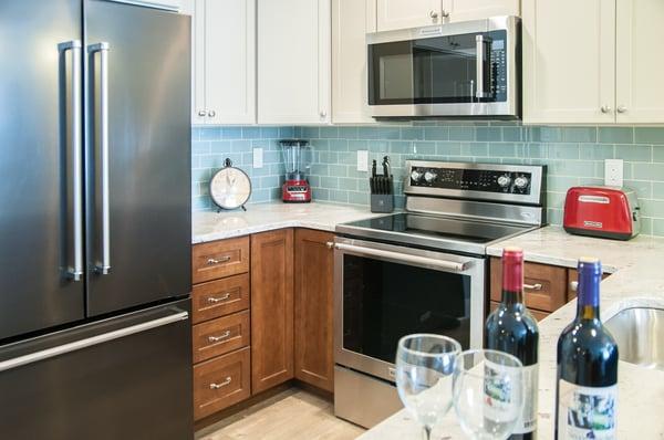 Suite_Kitchen_Detail_1