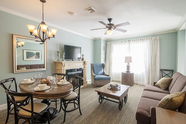 suites at riverwalk resort