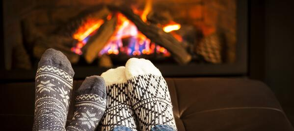 socks_fireplace.2e16d0ba.fill-1805x808