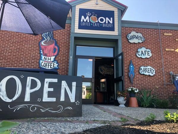 the-moon-cafe-bakery