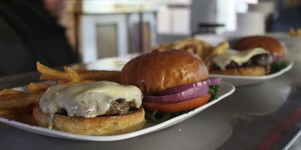 truant's-burger
